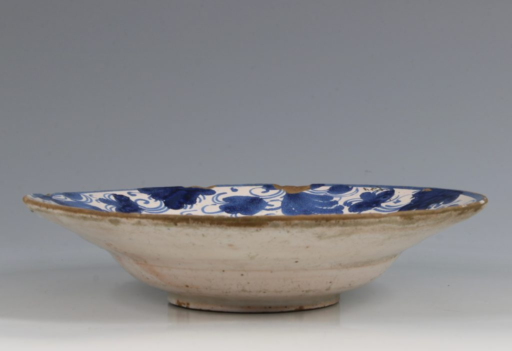 Spanish Blue and White Tin-glaze Dish Teruel L17thC 2