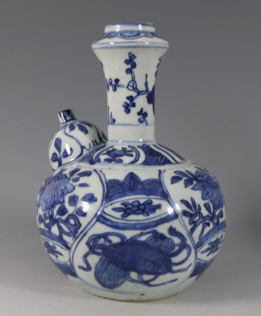 Blue and White Kraak Kendi L Ming C1600 1