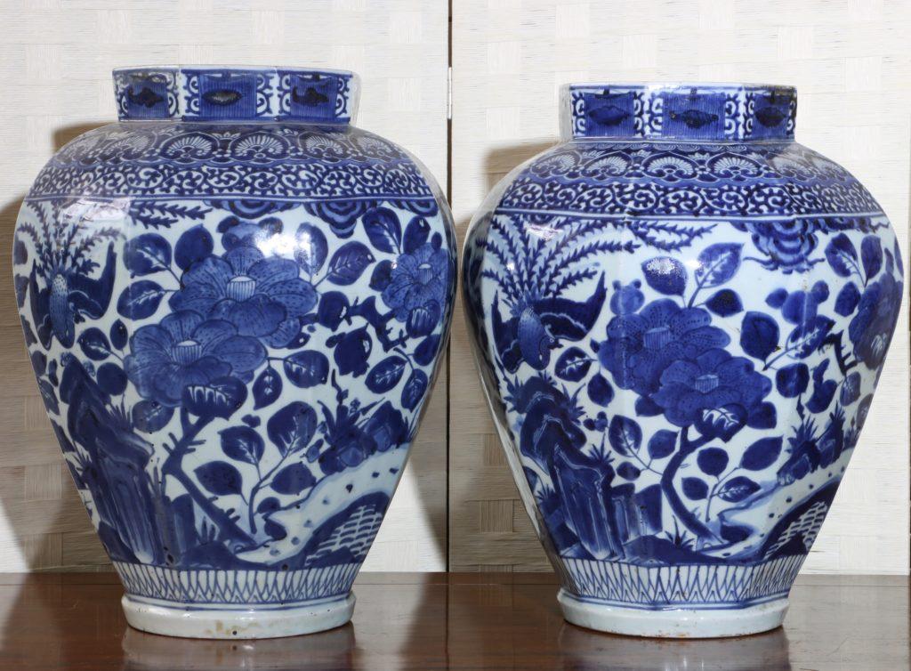 Pair of Arita Blue and White Vases L17thC 5