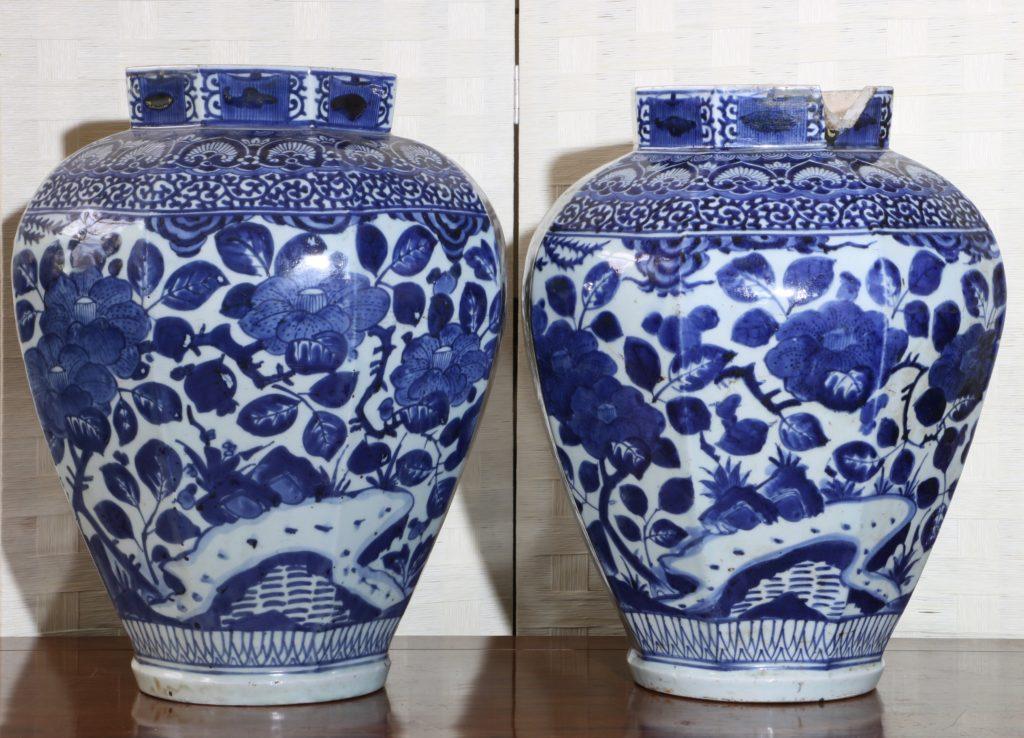 Pair of Arita Blue and White Vases L17thC 6