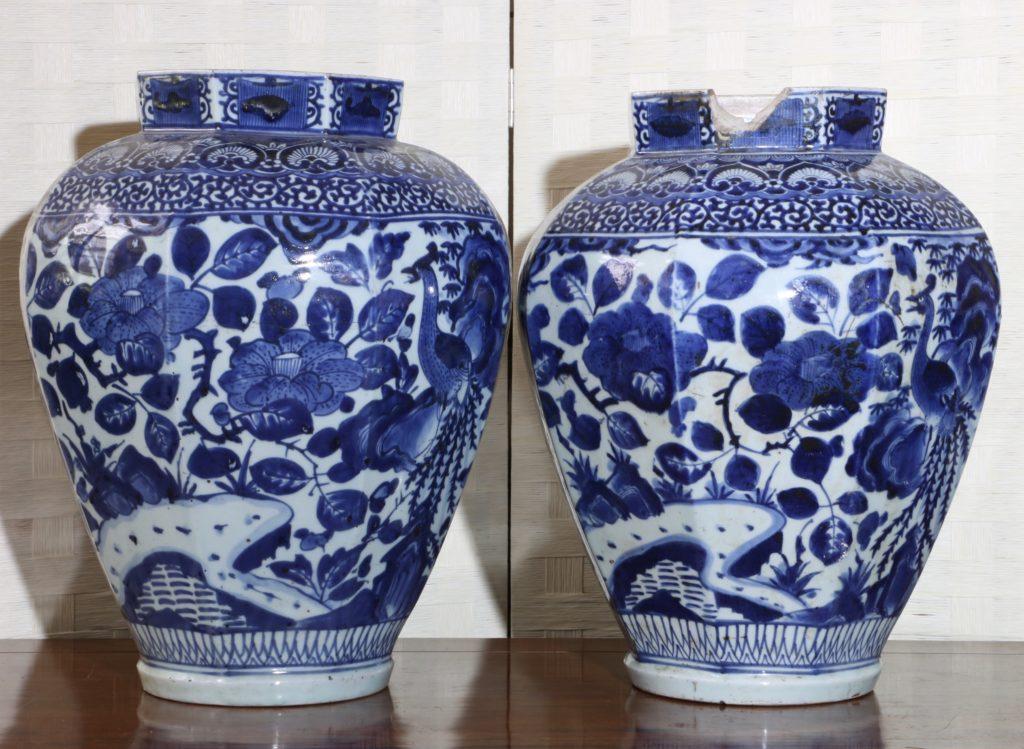 Pair of Arita Blue and White Vases L17thC 7