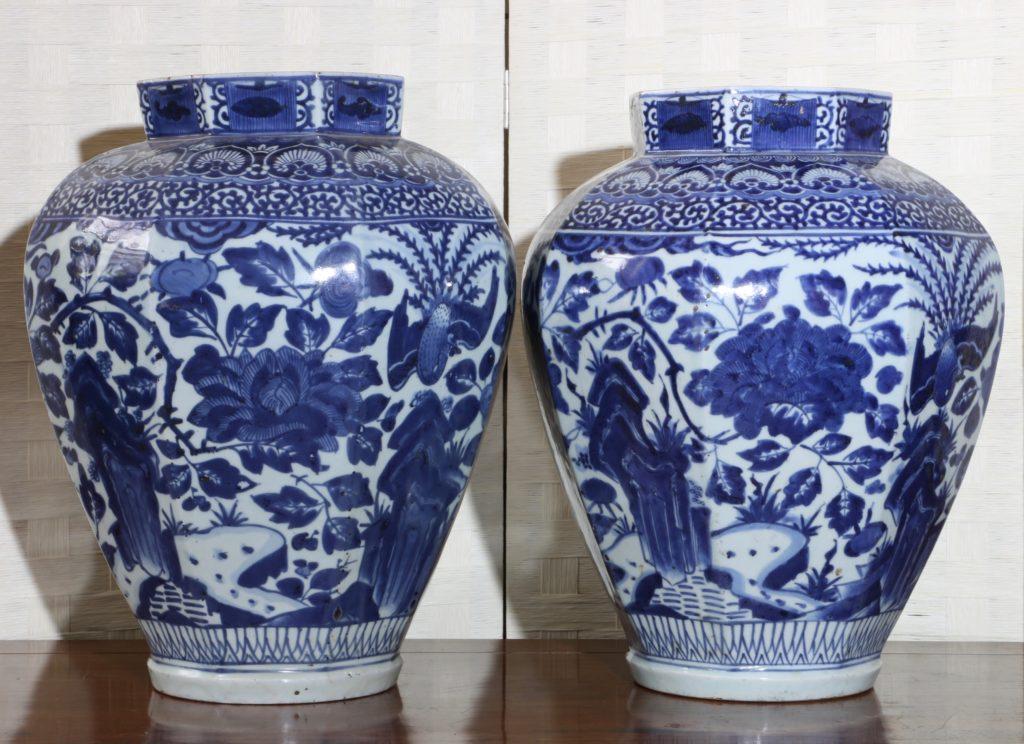 Pair of Arita Blue and White Vases L17thC 3