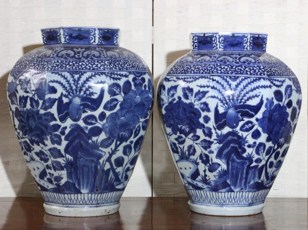 Pair of Arita Blue and White Vases L17thC 4