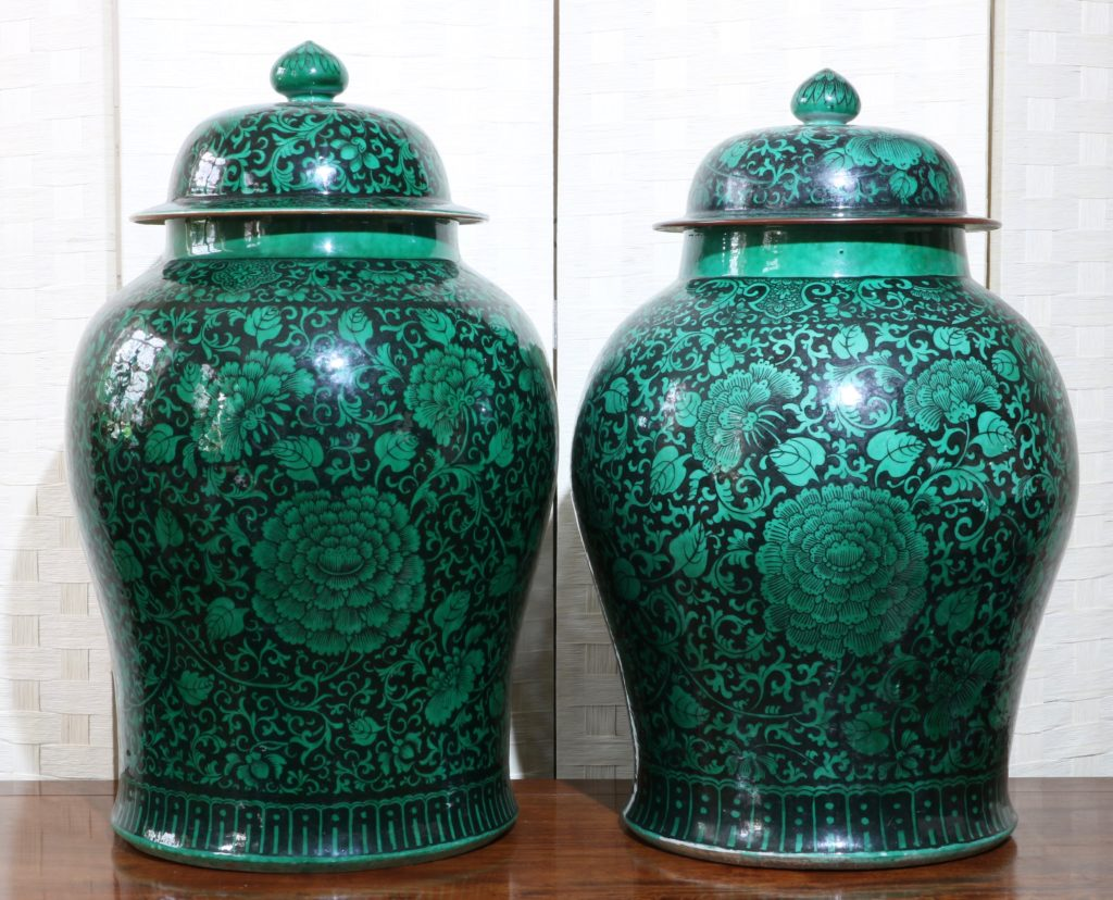 A Very Large Pair of Famille Noire Baluster Vases 18/19thC 6