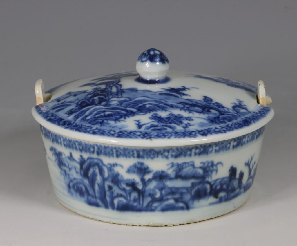 Chinese Blue and White Nanking Butter Tub and Cover 18thC