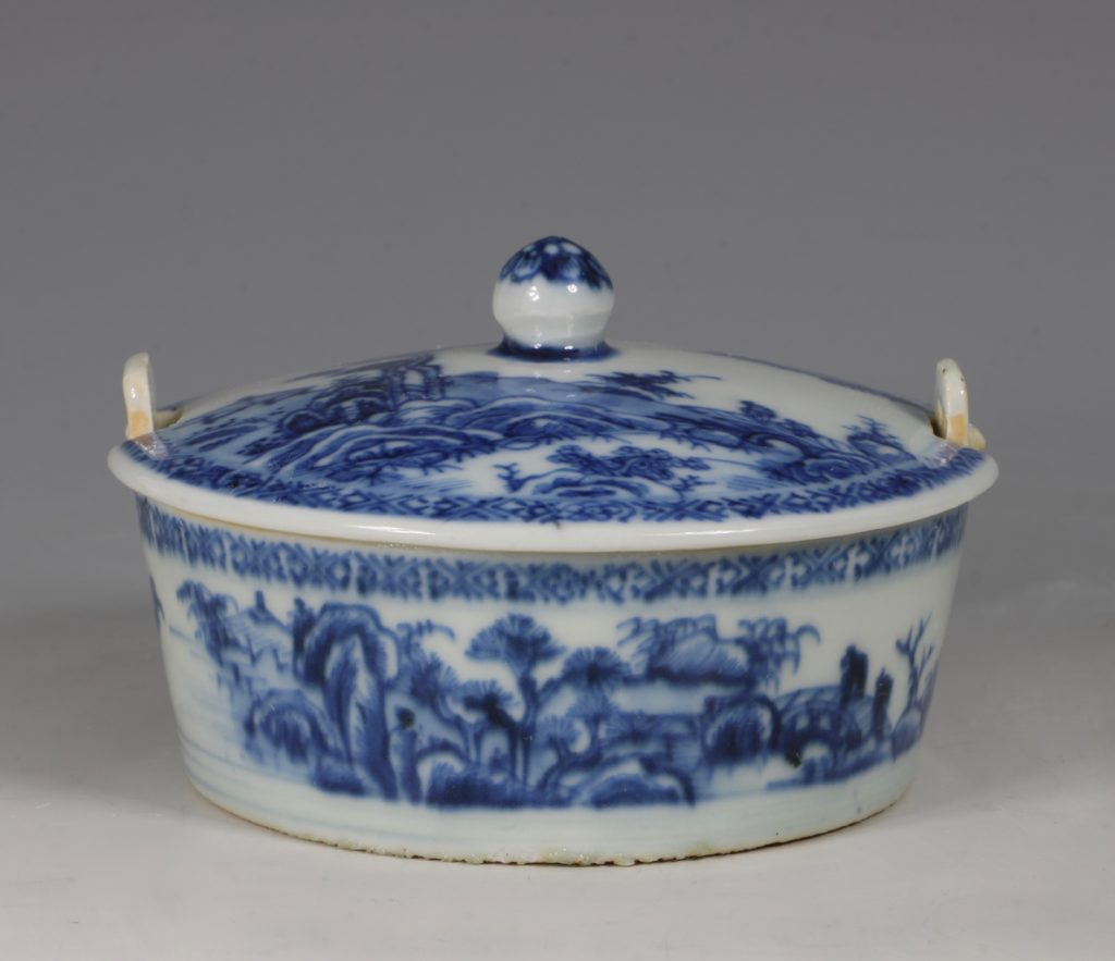 Chinese Blue and White Nanking Butter Tub and Cover 18thC 1