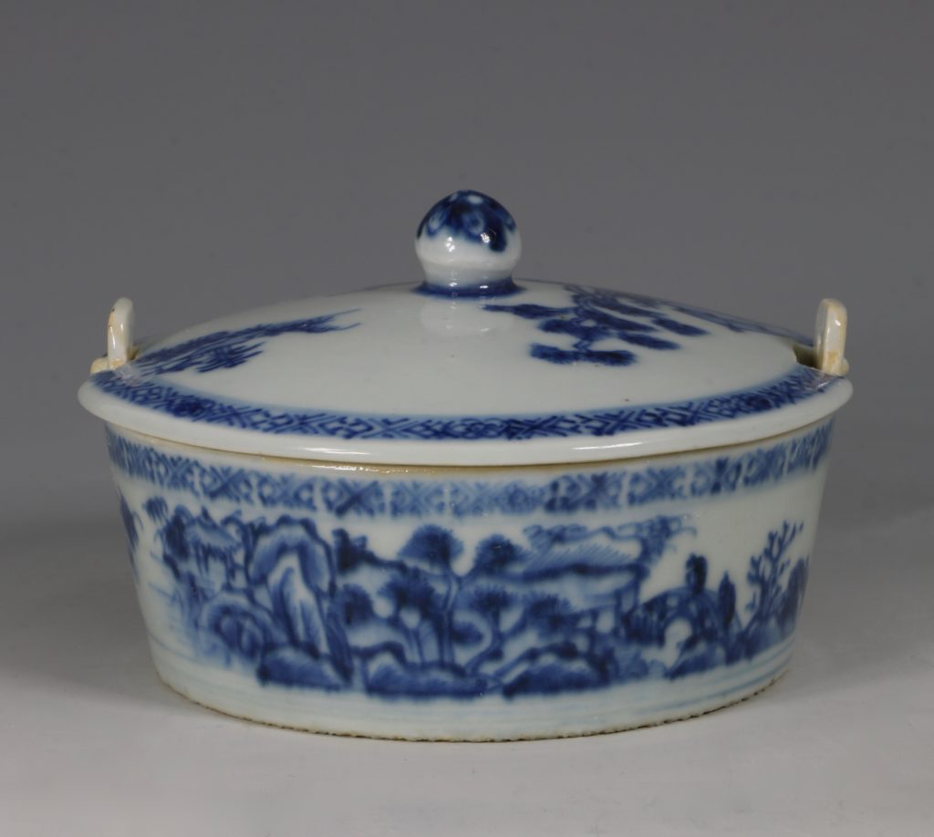 Chinese Blue and White Nanking Butter Tub and Cover 18thC 3