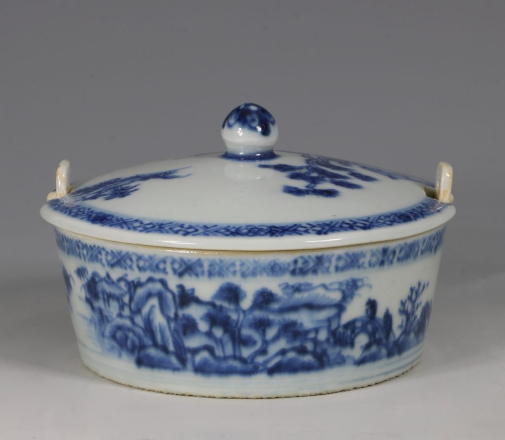Chinese Blue and White Nanking Butter Tub and Cover 18thC 4