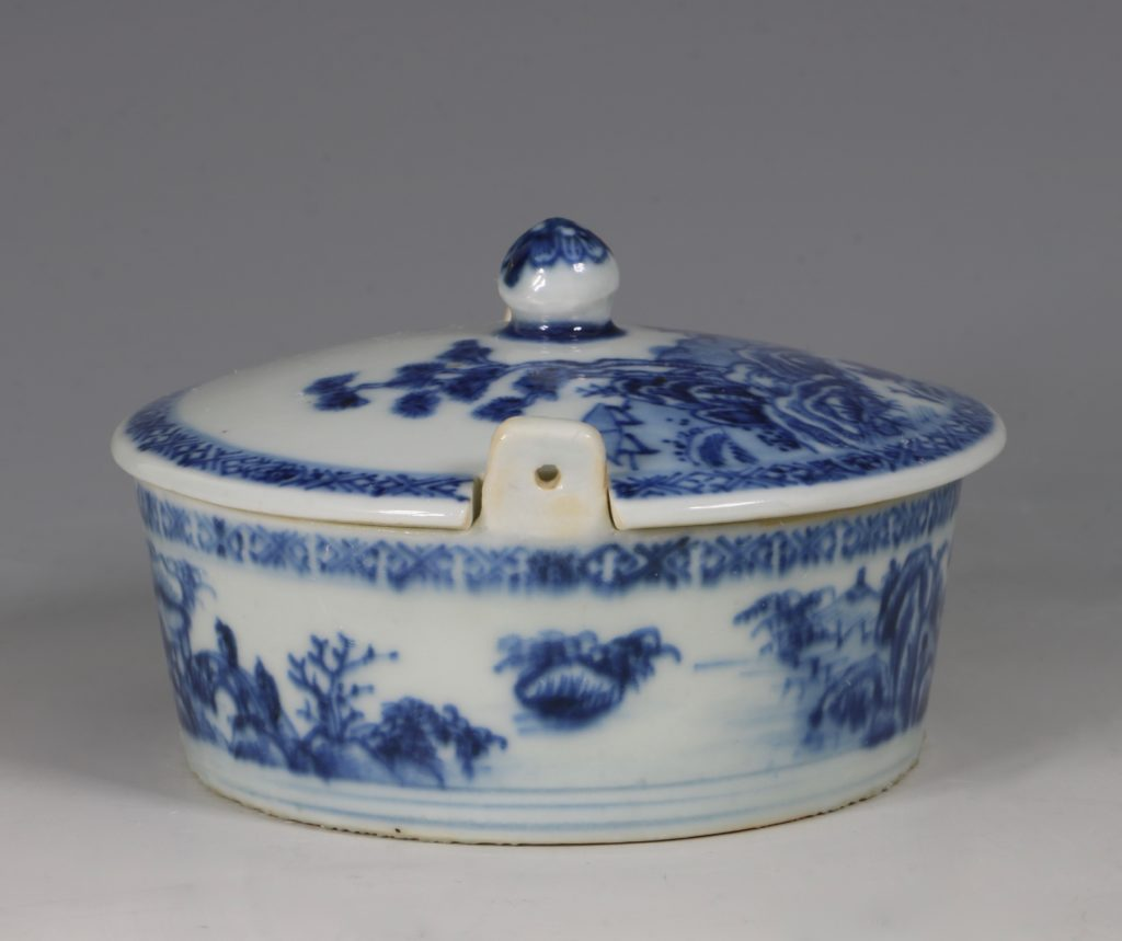 Chinese Blue and White Nanking Butter Tub and Cover 18thC 5