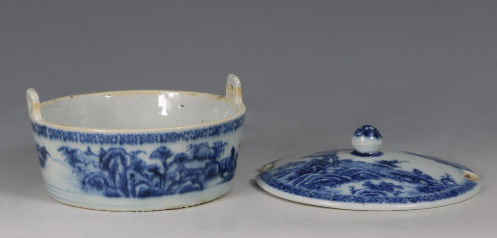 Chinese Blue and White Nanking Butter Tub and Cover 18thC 6