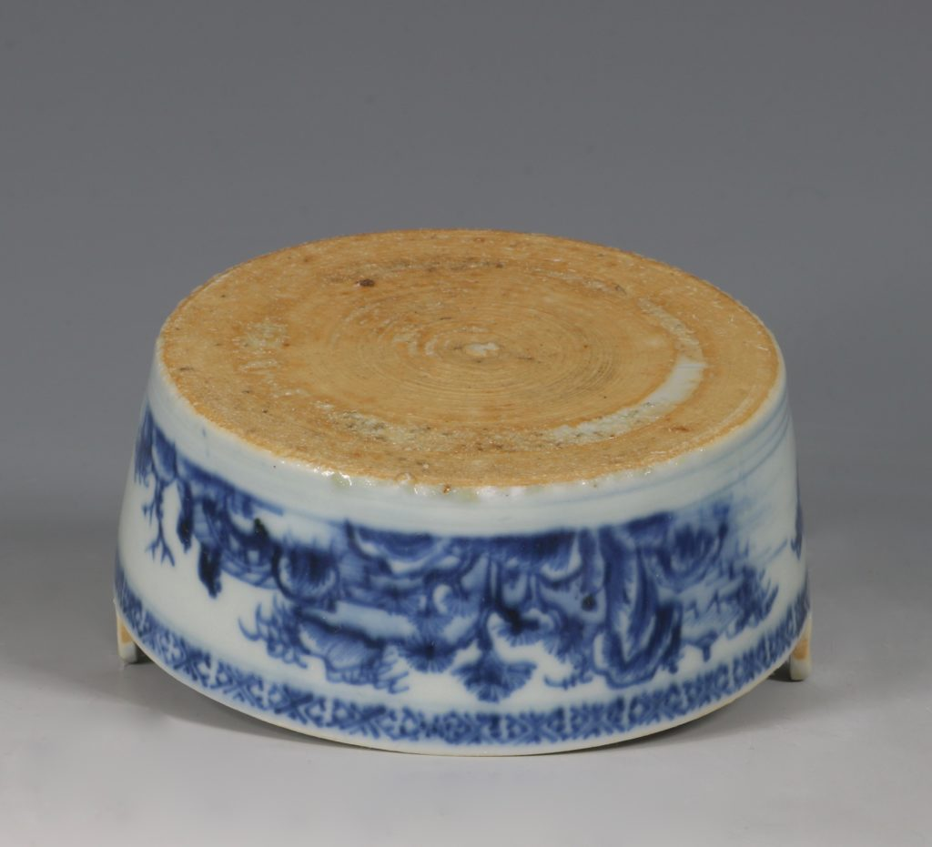 Chinese Blue and White Nanking Butter Tub and Cover 18thC 7