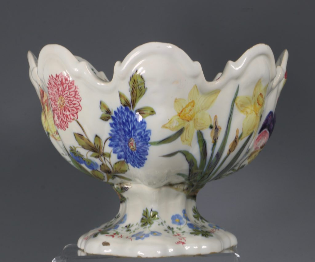A Set of Three Nove Faience Monteiths 19thC 14