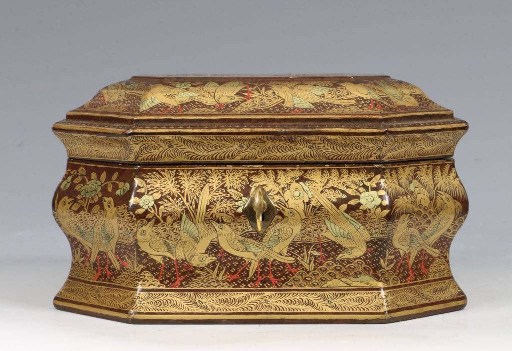 A Chinese Canton Lacquer Export Tea caddy Mid 19thC 1