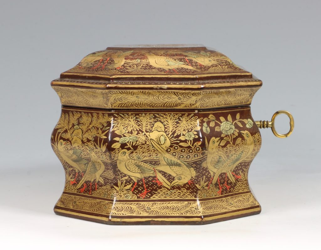 A Chinese Canton Lacquer Export Tea Caddy Mid 19thC 3
