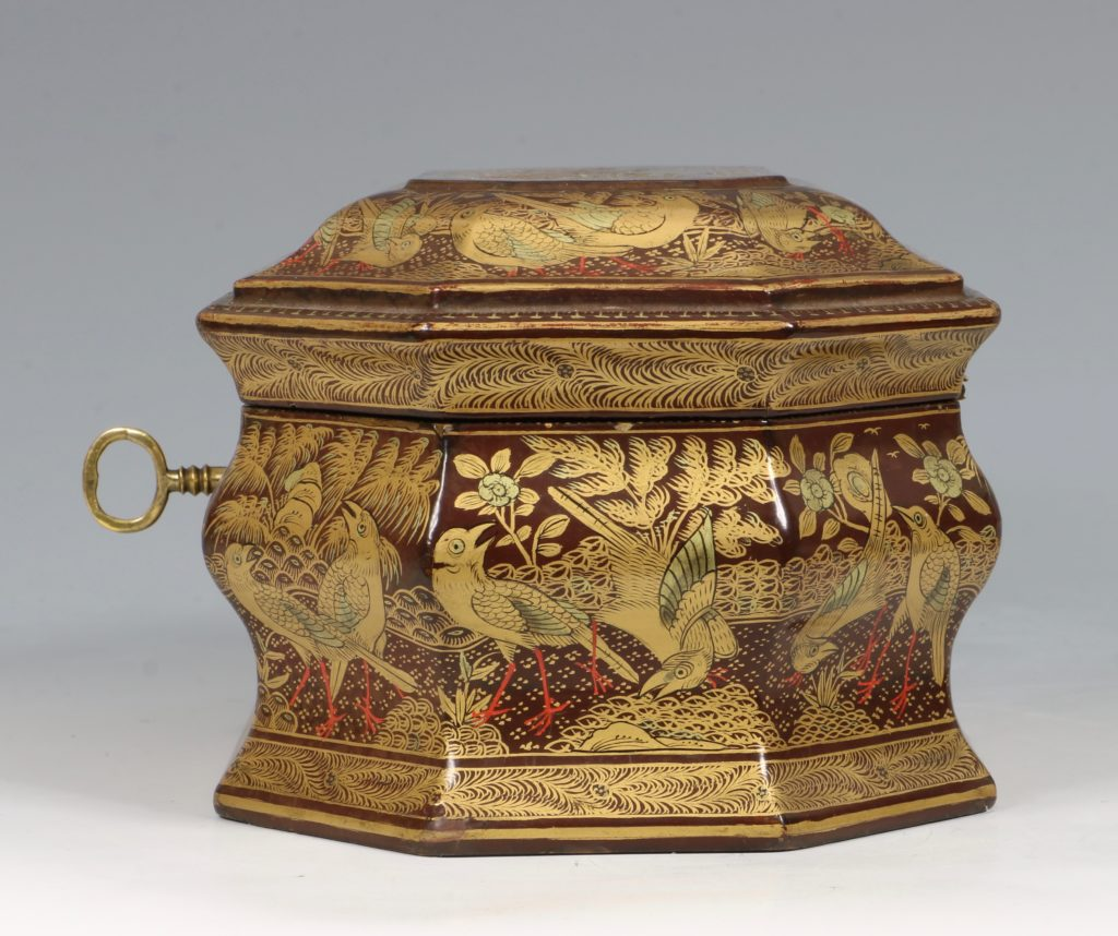 A Chinese Canton Lacquer Export Tea caddy Mid 19thC 5