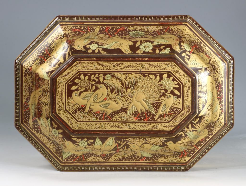 A Chinese Canton Lacquer Export Tea Caddy Mid 19thC 7