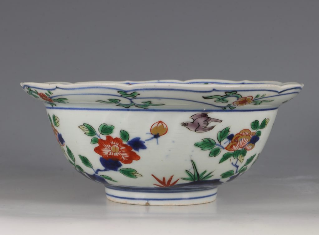 A Pair of Japanese Arita Polychrome Bowls C1690/1730 10