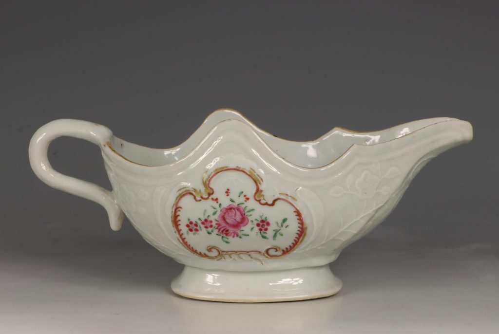 A Pair of Famille Rose Sauceboats Qianlong C1760 6