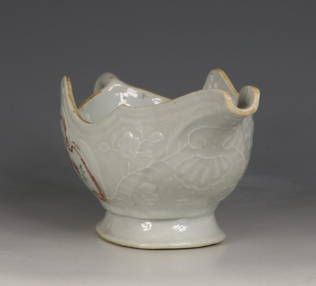 A Pair of Famille Rose Sauceboats Qianlong C1760 7