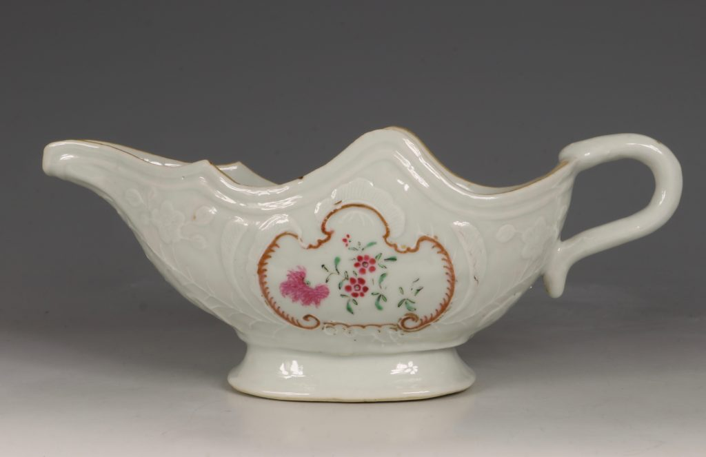 A Pair of Famille Rose Sauceboats Qianlong C1760 8