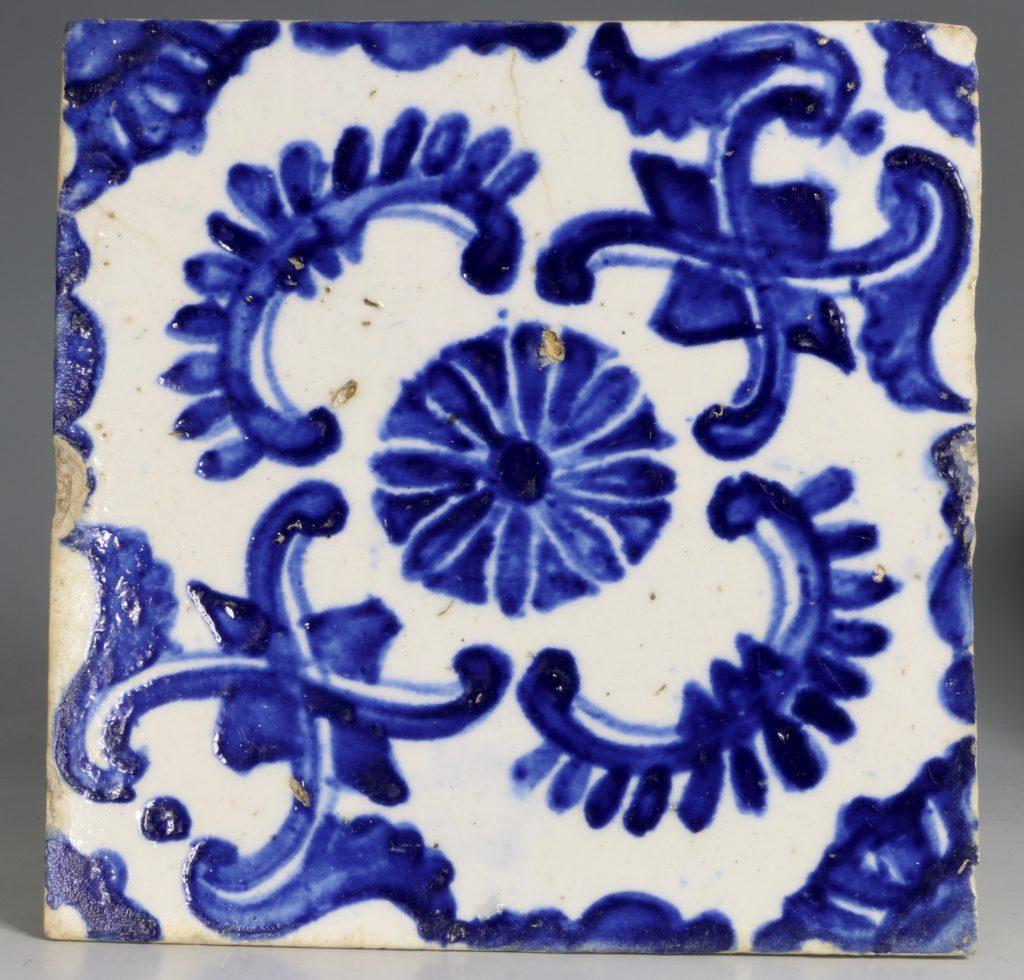 A Set of Four Kutahya Tiles 18thC 4