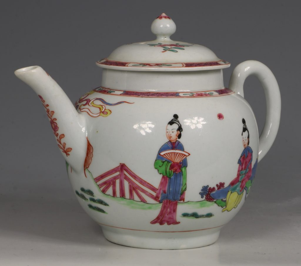 A Fine and Rare Chaffers Liverpool Teapot C1760 3