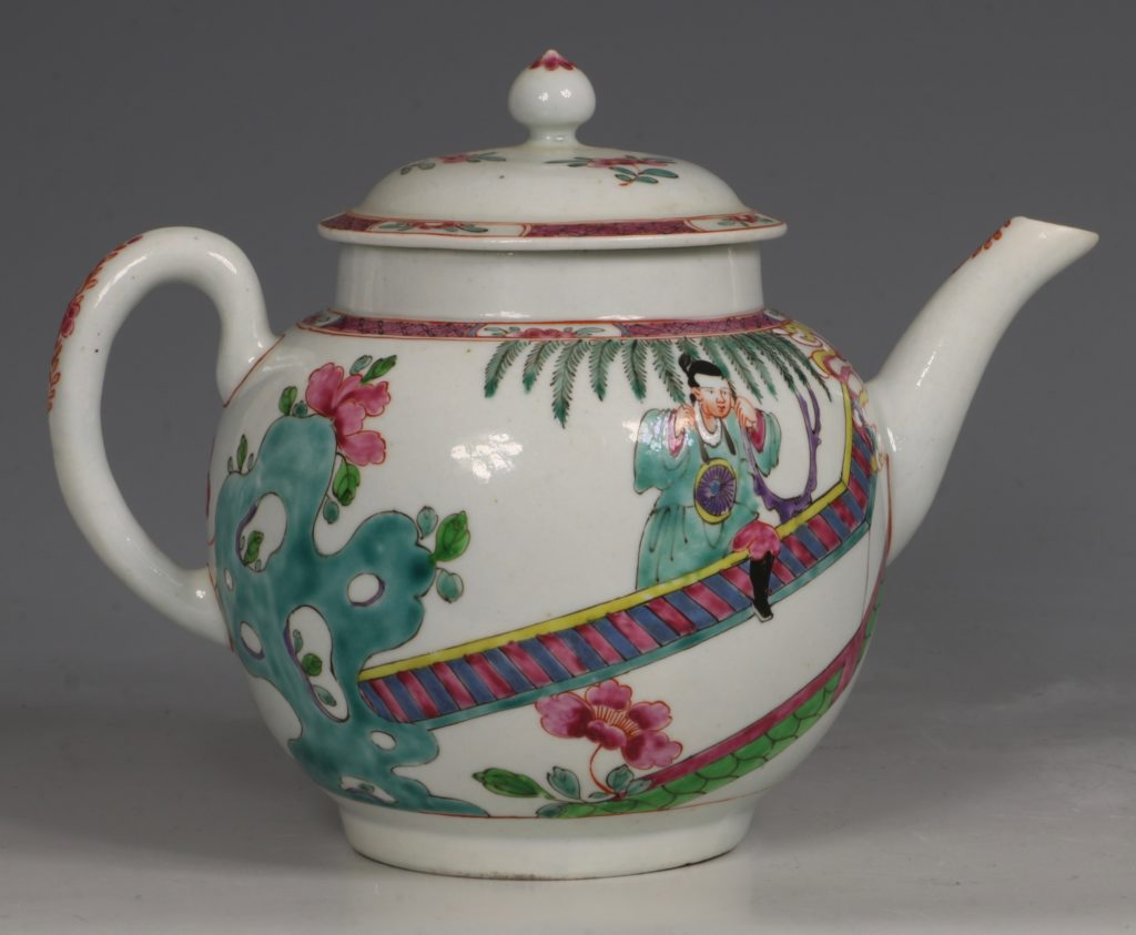 A Fine and Rare Chaffers Liverpool Teapot C1760 5