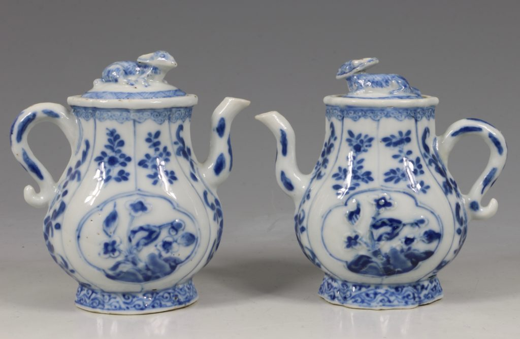 A Rare Pair of Kangxi Blue and White Ewers C1720