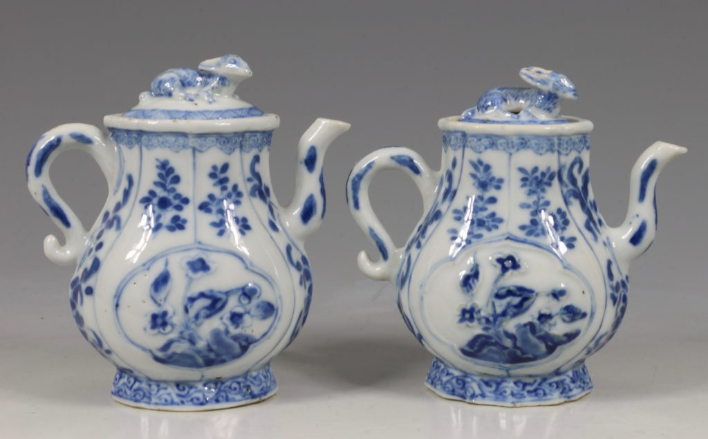 A Rare Pair of Kangxi Blue and White Ewers C1720 1