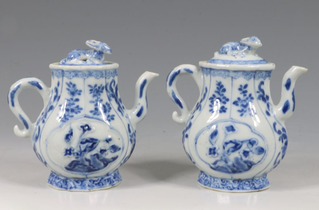 A Rare Pair of Kangxi Blue and White Ewers C1720 2