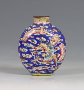 A Chinese Canton Enamel Snuff Bottle 18/19thC
