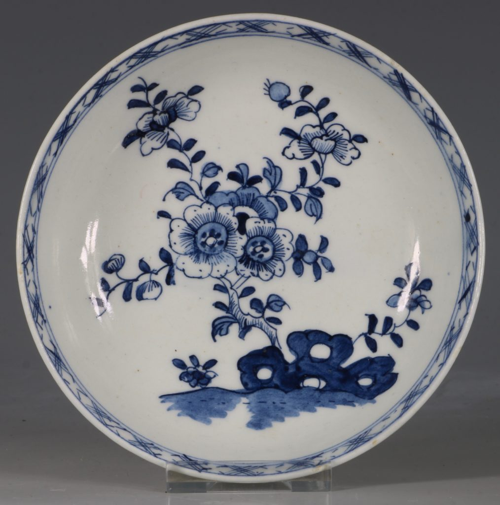 A Lowestoft Blue and White Tea bowl and Saucer C1770 1