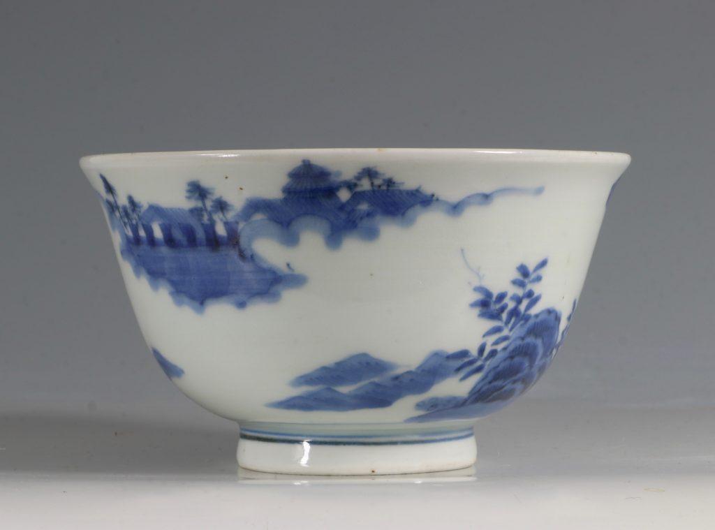 A Japanese Arita Blue and White Bowl 18/19thC 1
