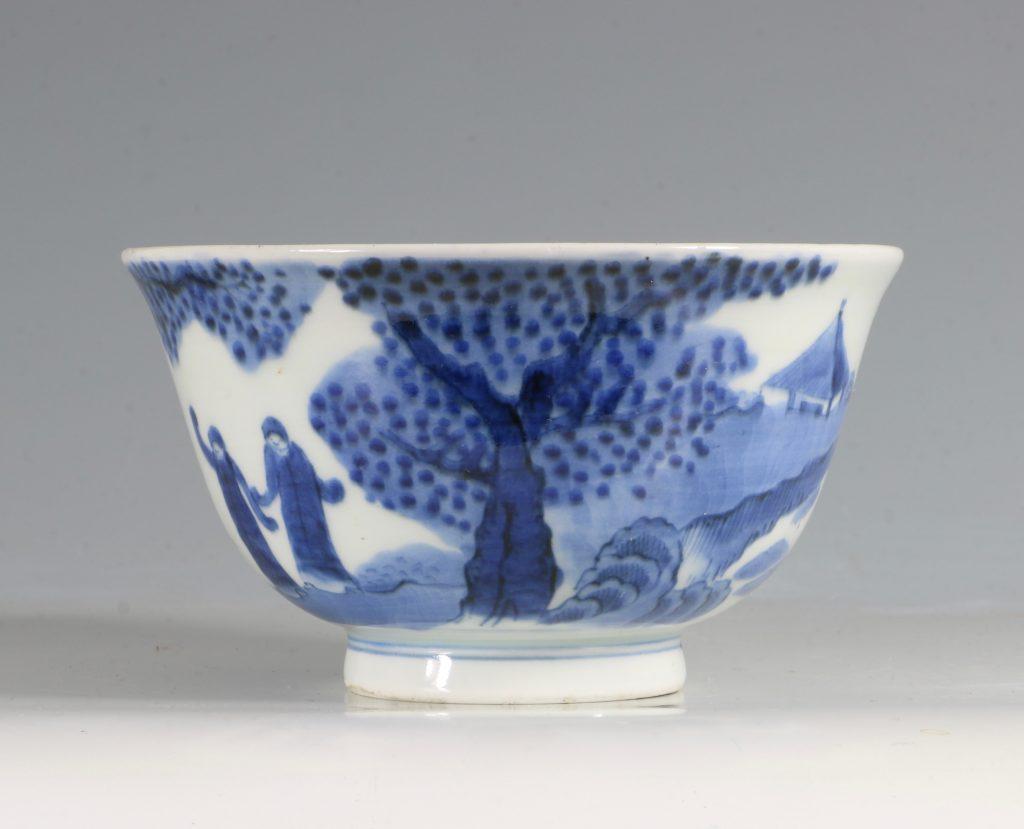 A Japanese Arita Blue and White Bowl 18/19thC 4
