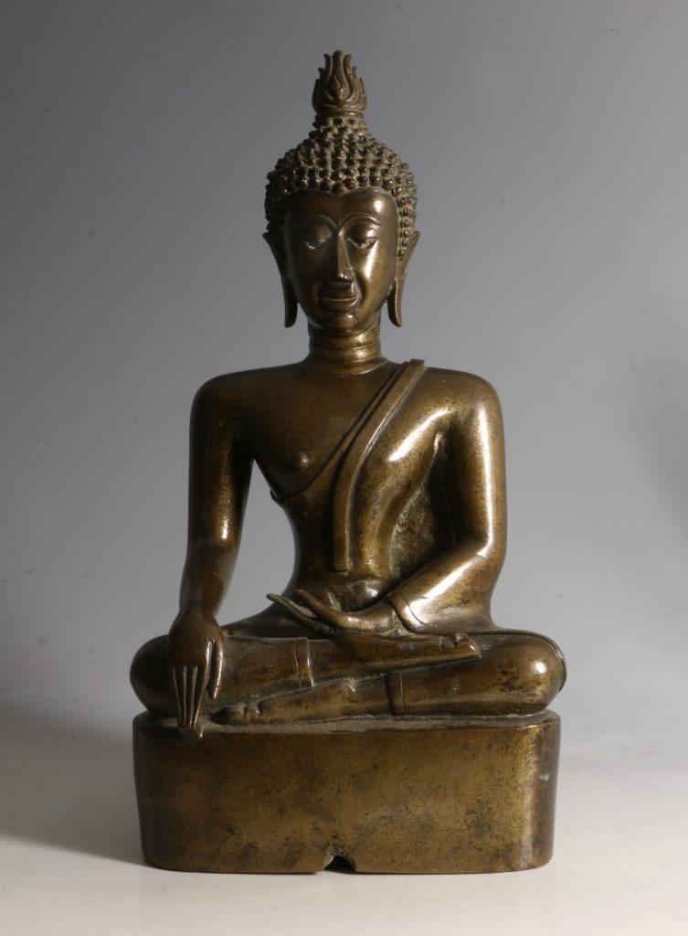 A Northern Thai/Laos Seated Buddha 17/18thC 1
