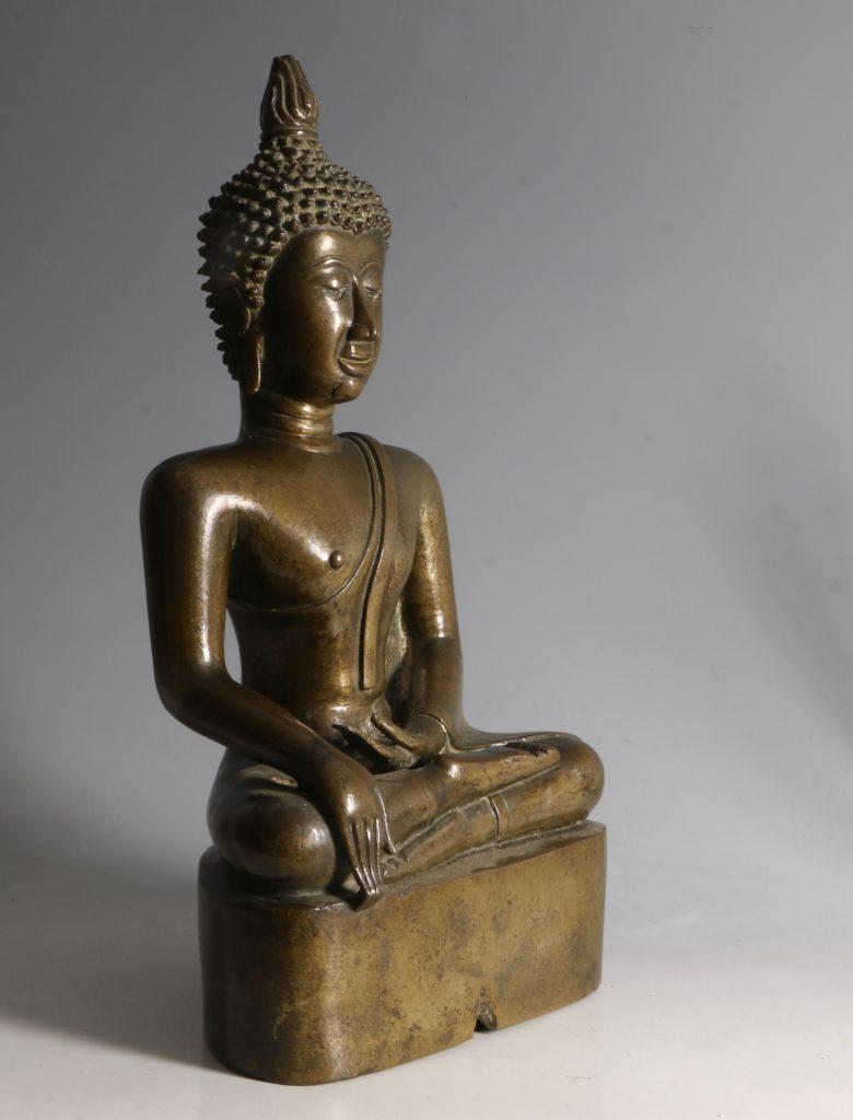 A Northern Thai/Laos Seated Buddha 17/18thC 3