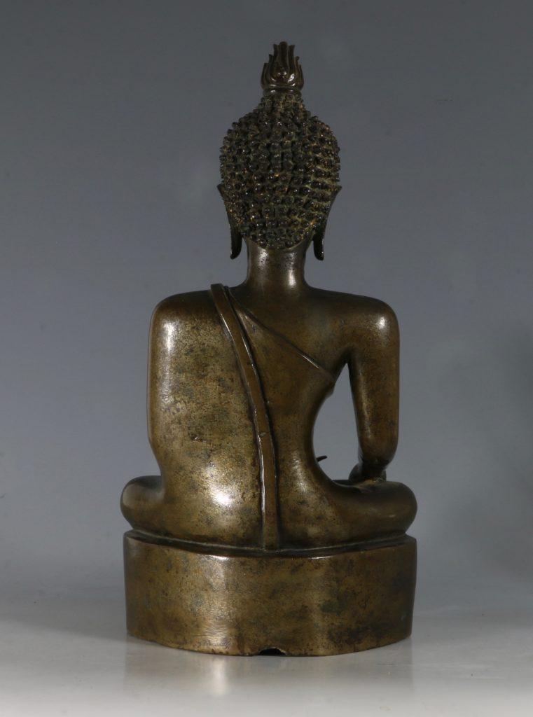 A Northern Thai/Laos Seated Buddha 17/18thC 5
