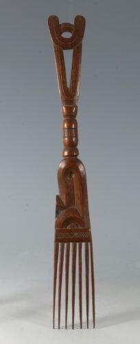 A Suriname Maroon Comb