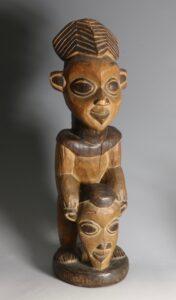 A Camerooms Bamileke Babanki Figure