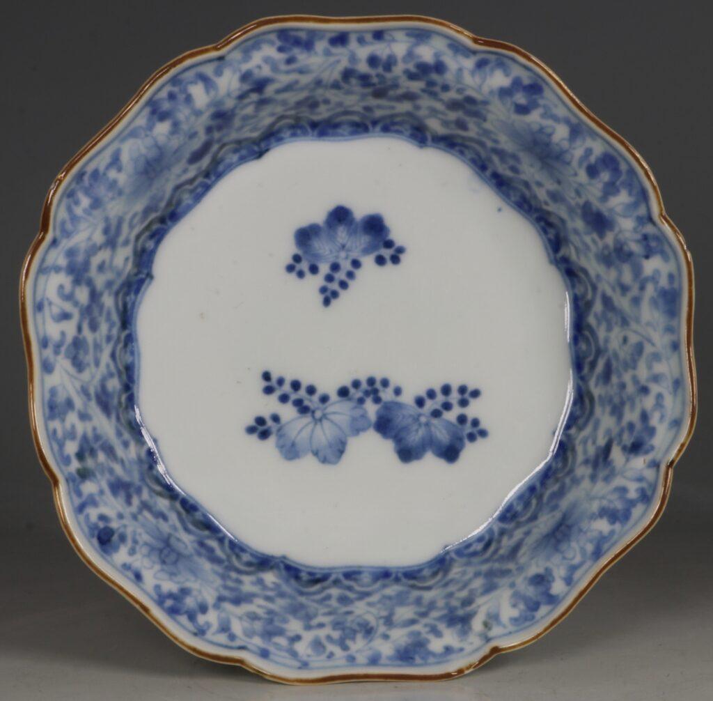 A Kakiemon Blue and White Bowl L17thc