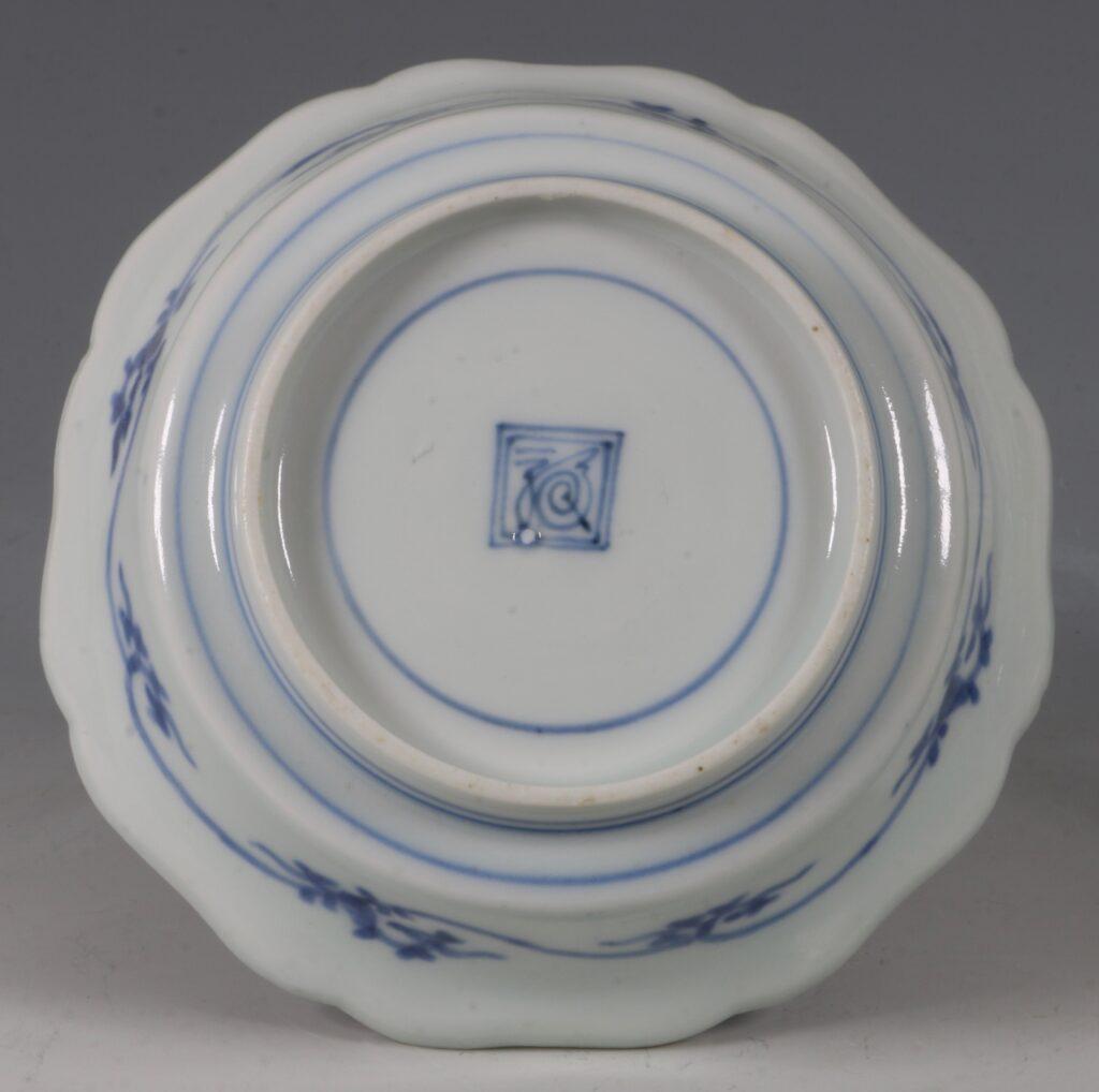 A Kakiemon Blue and White Bowl L17thc 2