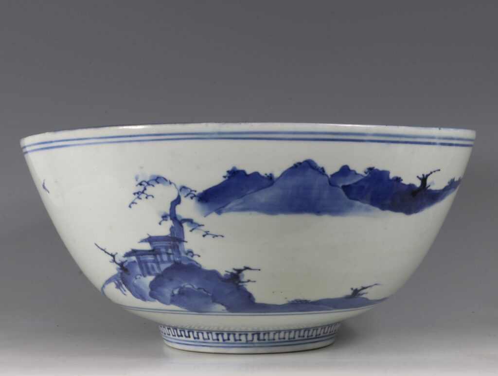 A Fine and Large Early Japanese Arita Blue and White Bowl 17thC 5