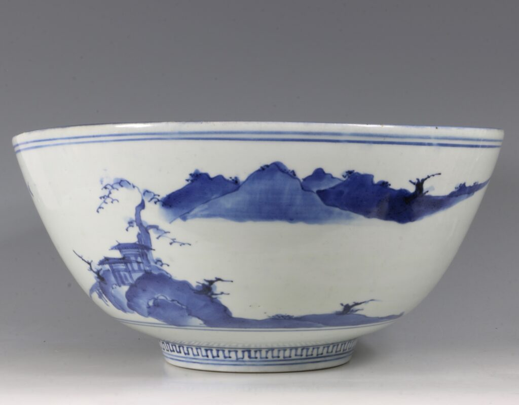 A Fine and Large Early Japanese Arita Blue and White Bowl 17thC 6