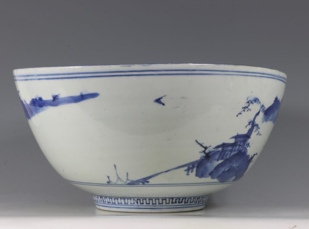 A Fine and Large Early Japanese Arita Blue and White Bowl 17thC 9