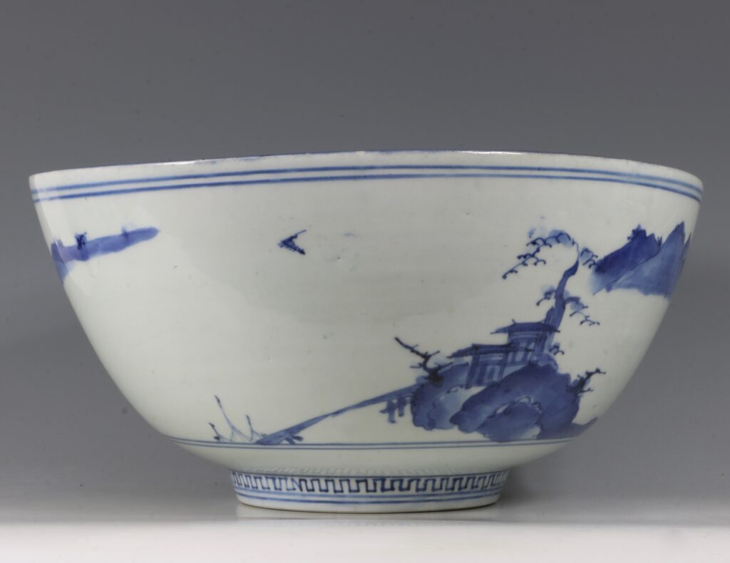 A Fine and Large Early Japanese Arita Blue and White Bowl 17thC 10