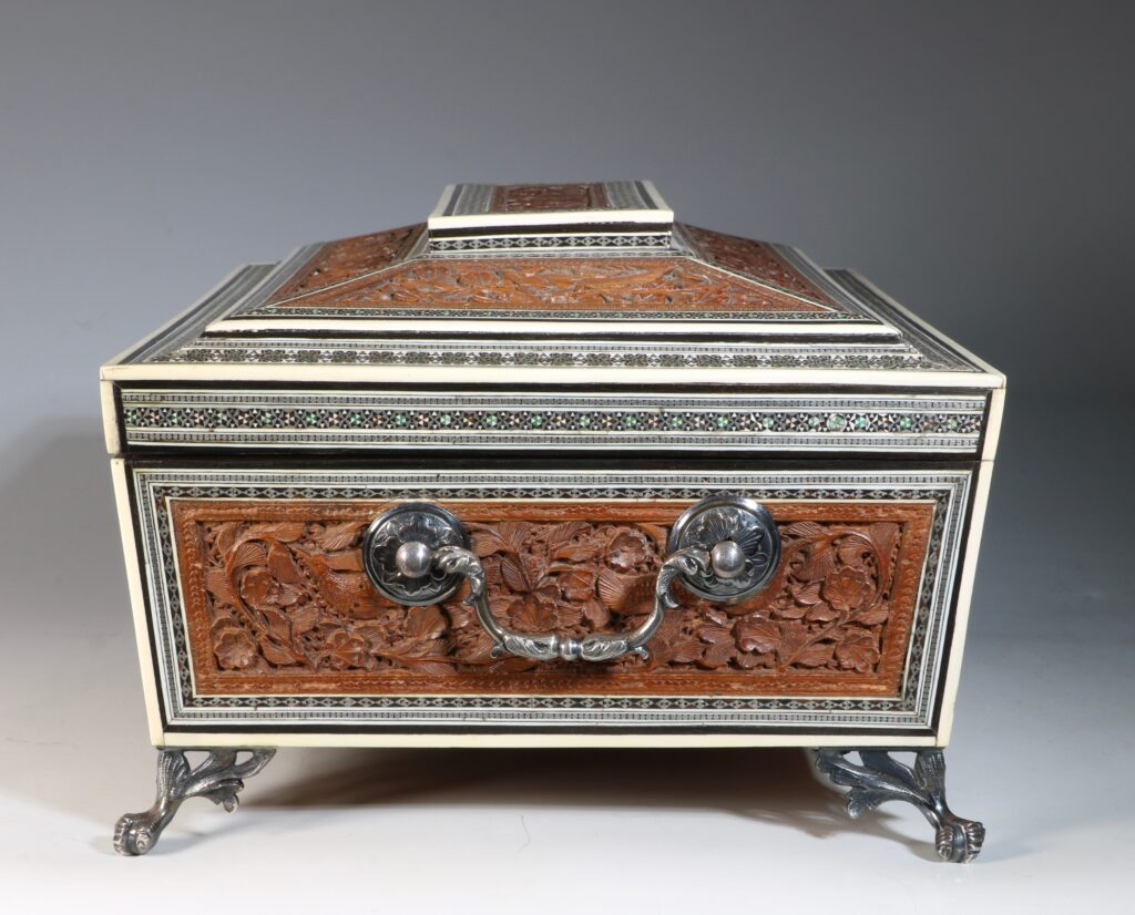 An Anglo Indian Sandlewood and Sadeli Sewing Box C1855 4