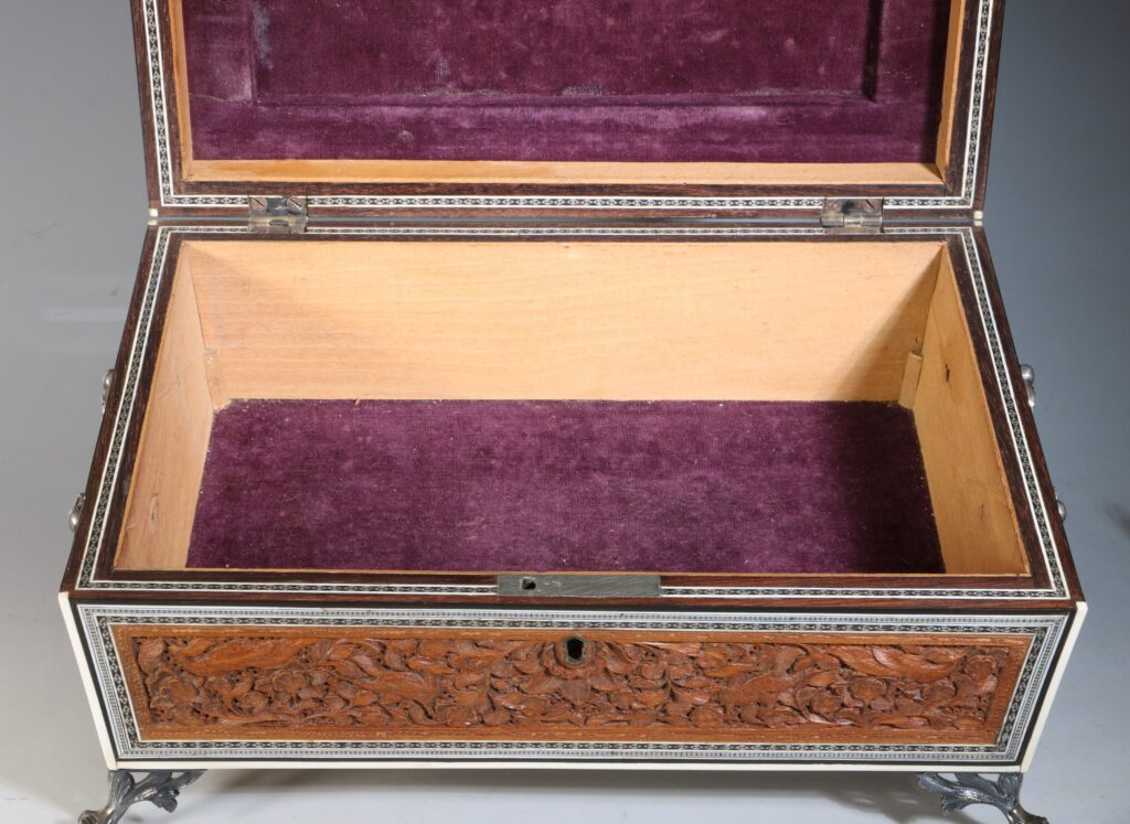 An Anglo Indian Sandlewood and Sadeli Sewing Box C1855 11