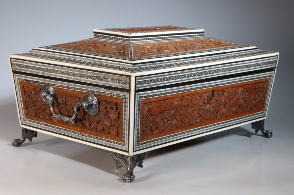 An Anglo Indian Sandlewood and Sadeli Sewing Box C1855 13