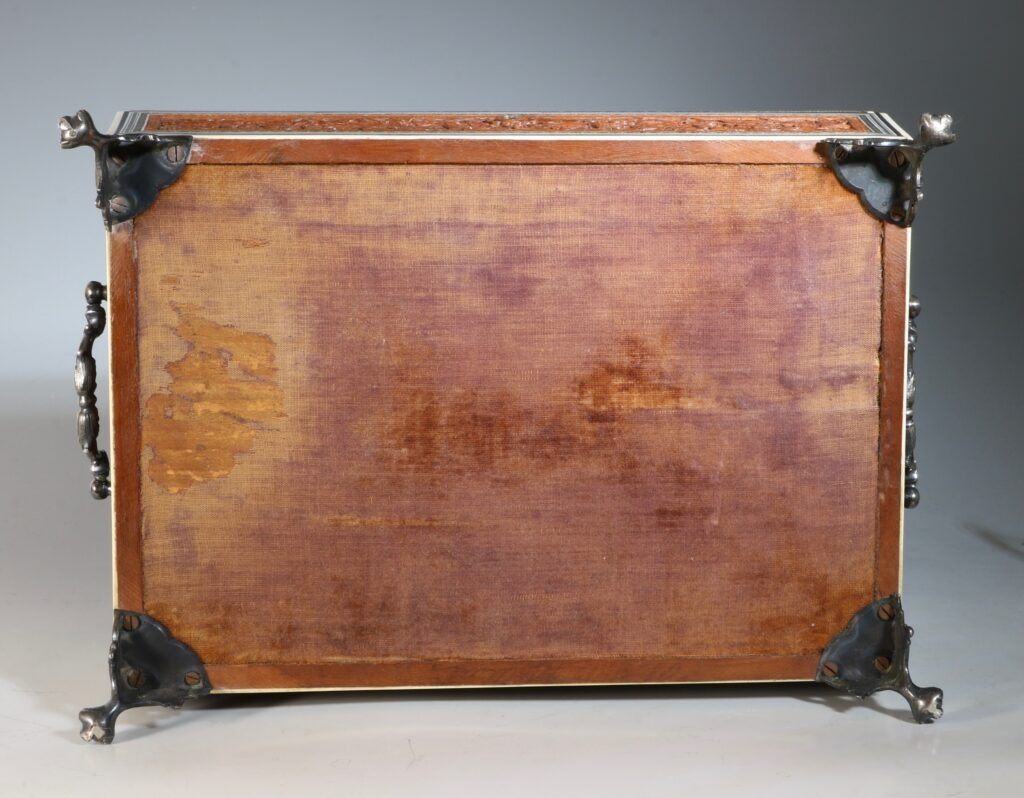 An Anglo Indian Sandlewood and Sadeli Sewing Box C1855 15