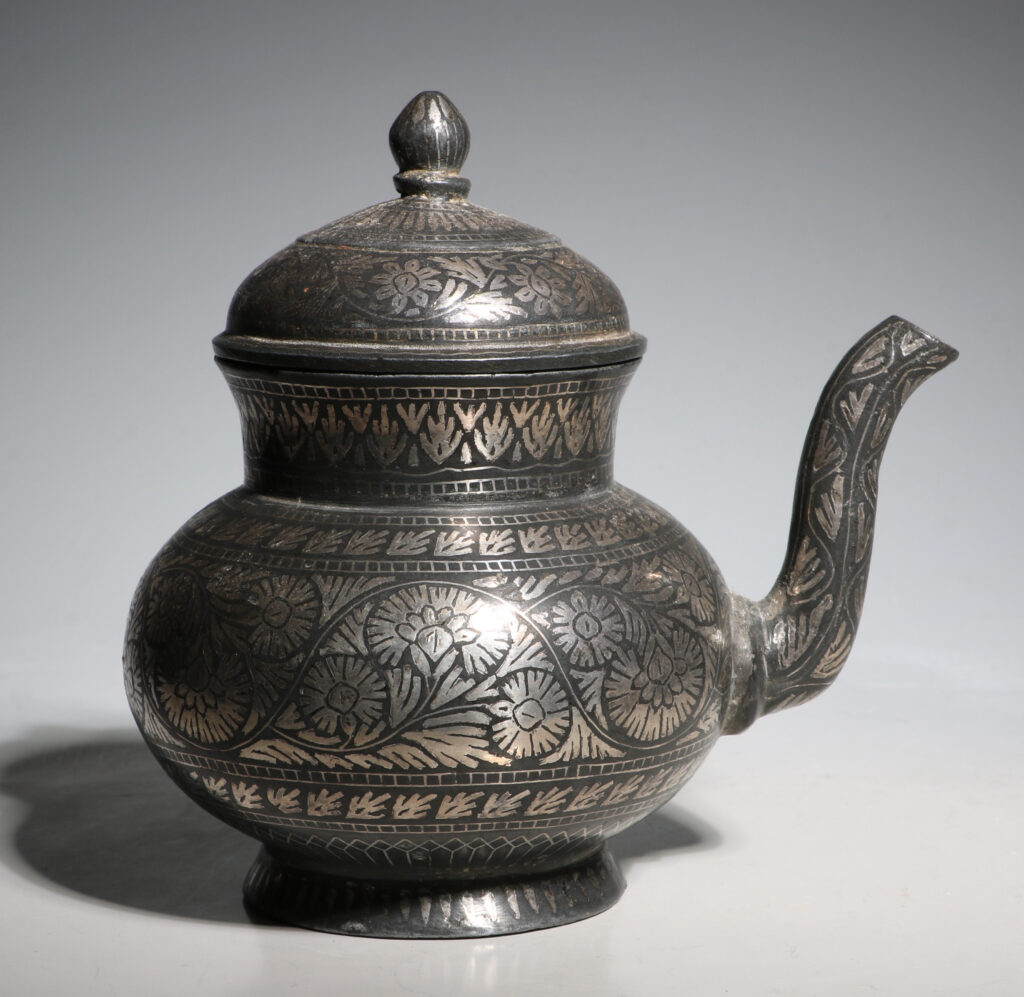 Indian Bidri Spouted Lota and Cover E19thC